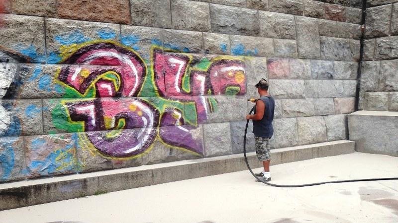 Rýchle odstraňovanie graffitov
